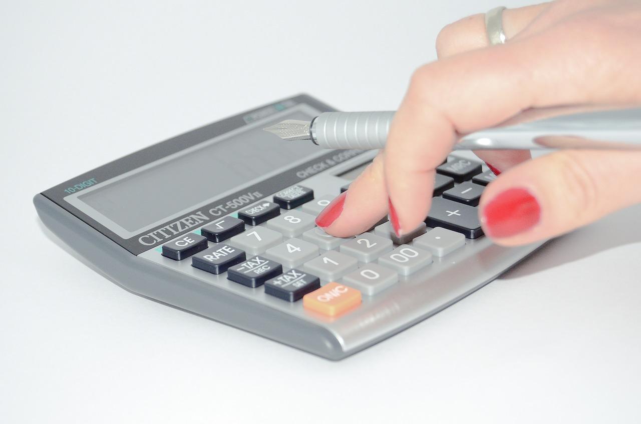 Calculadora. Imagen de Michal Jarmoluk en Pixabay